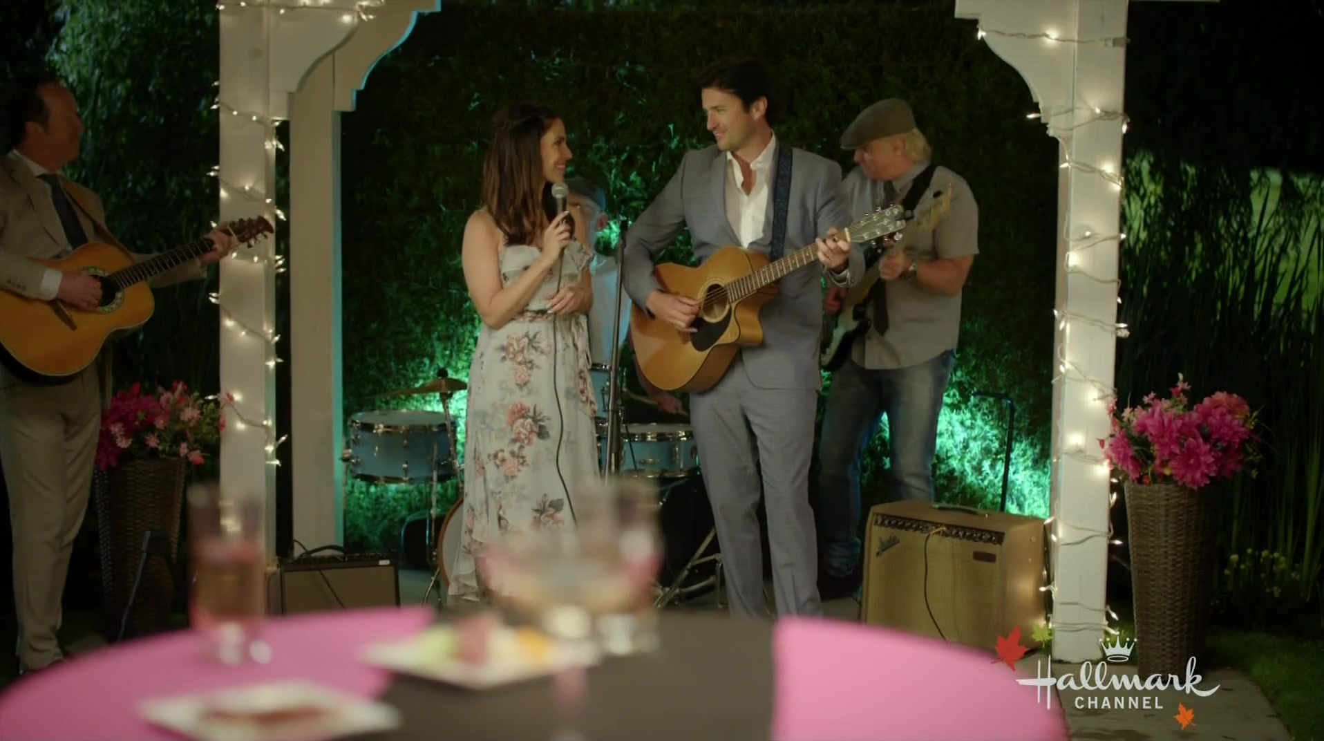 'Over the Moon in Love' Screencaps